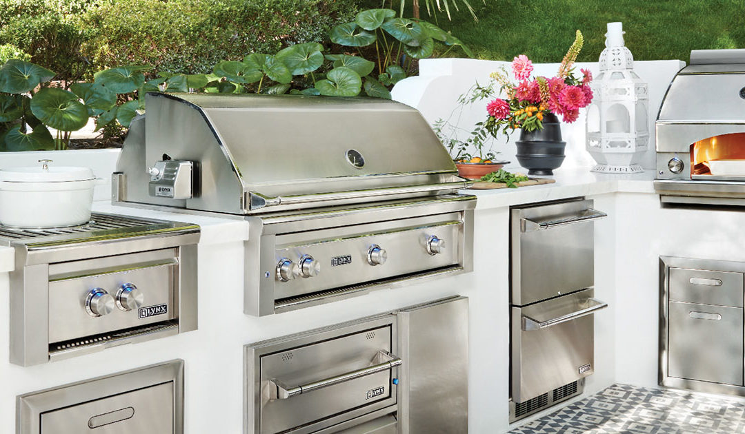 Lynx Pro-Style Grilling in Your Own Outdoor Kitchen