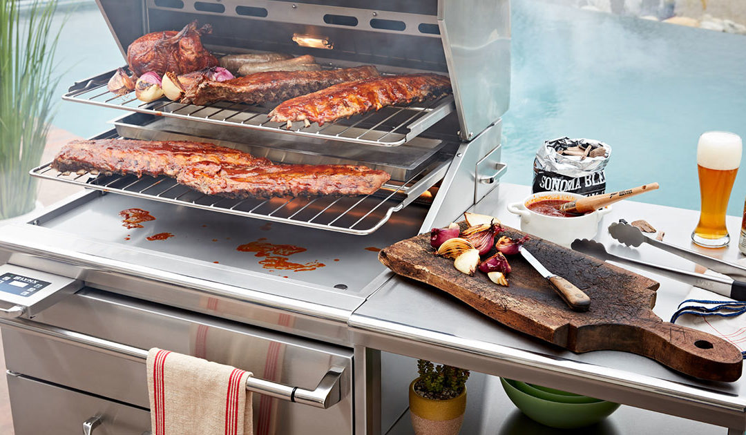 Outdoor Kitchen Essentials for Memorable Fall Gatherings
